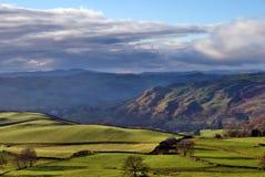Rollende englische Landschaft nahe Staveley Stockfotos
