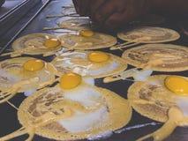 Rollenpfannkuchen, Lebensmittelstraße Lizenzfreie Stockfotografie