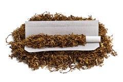 Rollenzigarette und -tabak Stockfoto