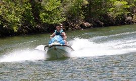 Roller auf dem Fluss Stockbild