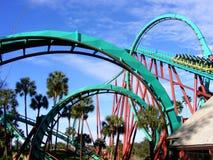 Roller coaster de Twisiting Imagenes de archivo