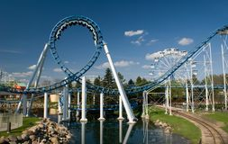Roller coaster del bucle imagen de archivo libre de regalías