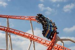 Roller coaster no movimento fotografia de stock royalty free