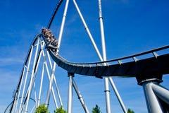 Roller coaster no parque do Europa fotos de stock