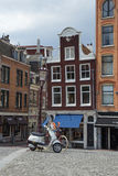 Roller- und Fahrrad-zweigleichtakte des Transportes in Amsterdam Stockbilder