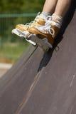 rollerblades agresywna kreskowa łyżwiarka Zdjęcie Stock