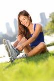 Rollerblades/donna pattinare di rullo Fotografia Stock Libera da Diritti