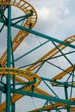 rollercoaster διαδρομή στοκ εικόνα με δικαίωμα ελεύθερης χρήσης