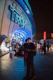 Rollercoaster för Tron Lightcycle maktkörning på Shanghai Disneyland i Shanghai, Kina royaltyfri foto