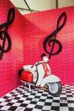 Rollerskulptur lizenzfreie stockfotos