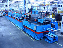 Rollforming Machine voor Commerciële Productie Royalty-vrije Stock Afbeeldingen