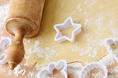 Rolling pin and shortcrust pastry Royalty Free Stock Photography