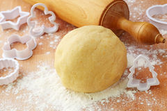 Rolling pin and shortcrust pastry Royalty Free Stock Photo