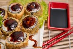 Rollo caliente de la comida japonesa Foto de archivo libre de regalías