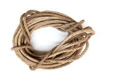 Rollo de la cuerda, nudo de la cuerda aislado en el fondo blanco foto de archivo libre de regalías