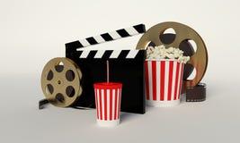 Rollo de película, palomitas, tira de la película, taza disponible para las bebidas con Fotografía de archivo