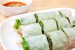 Rollo de primavera vietnamita delicioso con el camarón Fotografía de archivo