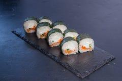 Rollo de sushi con Comida japonesa 2 Imagen de archivo