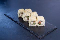 Rollo de sushi con Comida japonesa 8 Foto de archivo libre de regalías
