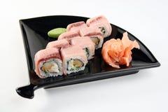 Rollo de sushi con el atún Imágenes de archivo libres de regalías