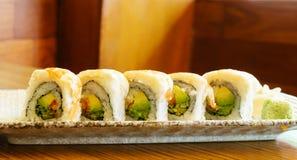 Rollo de sushi de la gamba Imágenes de archivo libres de regalías