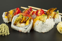 Rollo de sushi del Tempura del camarón Imagen de archivo