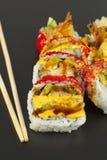 Rollo de sushi del Tempura del camarón Fotografía de archivo