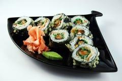 Rollo de sushi en tempura Foto de archivo libre de regalías