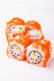 Rollo de sushi en tobiko Imagen de archivo
