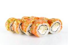 Rollo de sushi no típico en el fondo blanco Imagenes de archivo