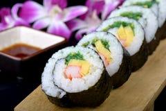 Rollo de sushi o maki japonés Imágenes de archivo libres de regalías