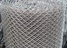 Rollo del alambre de pollo de forma diamantada. Foto de archivo libre de regalías