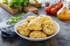 Rollos de la cena del ajo y del queso fotografía de archivo