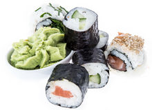 Rollos de sushi aislados en el fondo blanco Foto de archivo libre de regalías