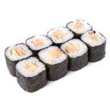Rollos de sushi del maki de Tamago aislados en el fondo blanco Imagen de archivo