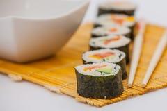 Rollos de sushi deliciosos Imágenes de archivo libres de regalías