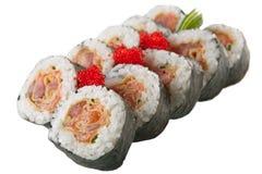 Rollos de sushi japoneses en el fondo blanco Foto de archivo
