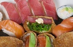 Rollos de sushi mezclados imágenes de archivo libres de regalías