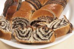 Rollos dulces caseros con las semillas de amapola Imagen de archivo