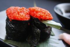 Rolls суш maki Ikura gunkan стоковые изображения rf