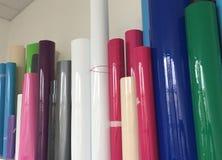 Rolls av färgat papper Arkivfoto