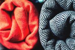 Rolls av färgrikt tyg som en vibrerande bakgrund Arkivbild