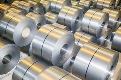 Rolls av stålarket i en växt galvaniserad stålspole royaltyfria foton