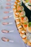 Rolls con el caviar rojo Foto de archivo libre de regalías