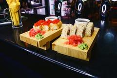 Rolls con lo zenzero e il wasabi fotografie stock libere da diritti