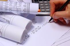 Rolls de diagramas bondes, de calculadora e de cálculos matemáticos Foto de Stock