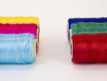 Rolls de fil avec des couleurs de RVB et de CMYK Photos stock
