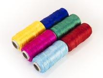 Rolls de fil avec des couleurs de RVB et de CMYK Image stock