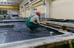 Rolls de la armadura de aluminio del acero de las colocaciones del metal Producción de la industria pesada Planta de la laminació Imagen de archivo libre de regalías