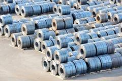 Rolls de la hoja de acero en puerto Imágenes de archivo libres de regalías